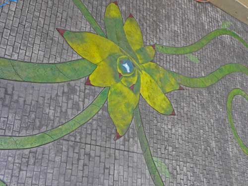flower in concrete done by concrete company in  Eau claire wisconsin