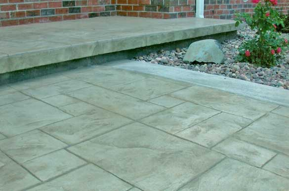 natural stone look in stamped concrete in eau clairewisconsin